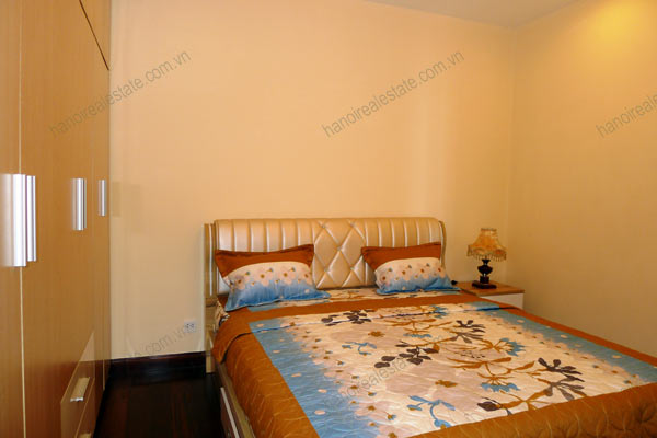 Royal City Spacious 2 Bedroom Apartment For Rentals Overlooking Hanoi City
