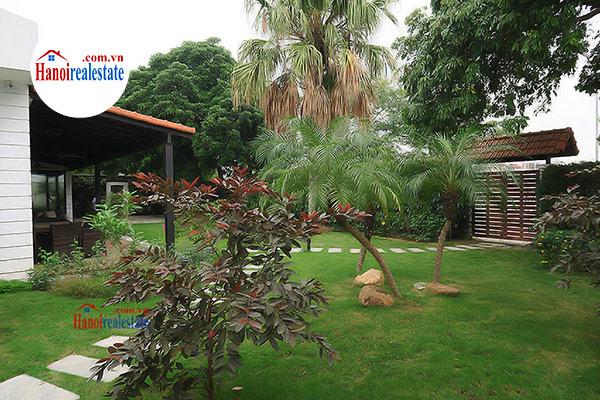 Villa rentals in tay ho westlake hanoi luxury pool for Garden pool hanoi