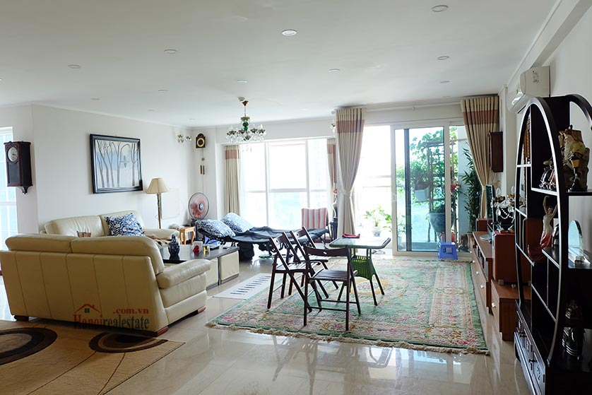 04BRs apartment at L2 Ciputra, 267m2, beautiful view 2