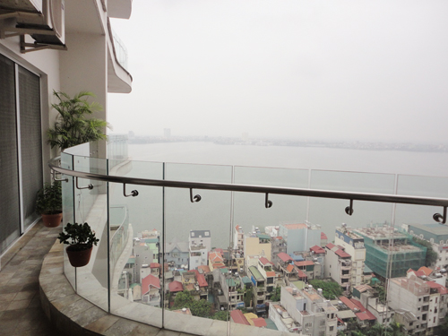 2 bedroom apartment for rent is located on the 19th Floor of Golden West Lake Hanoi
