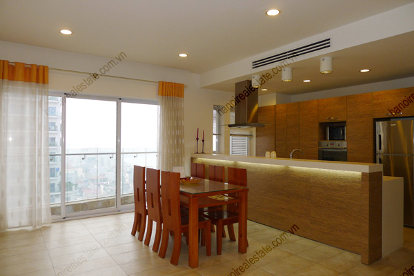 2 bedroom apartment for rent on high floor at Golden West Lake Hanoi