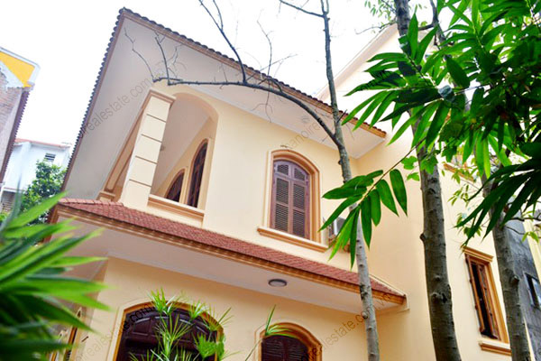 3 bedroom, modern and bright House for rent in Doi Can street, Ba Dinh dist, Ha Noi 1