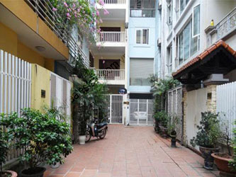 3 bedroom, modern house for rent in Ba Dinh district