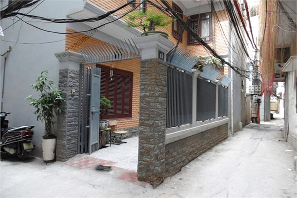 3 bedroom, modern house for rent in Dong Da district 1