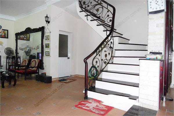 3 bedroom, modern house for rent in Dong Da district 5