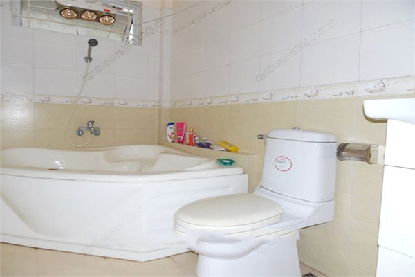 3 bedroom, modern house for rent in Dong Da district 9