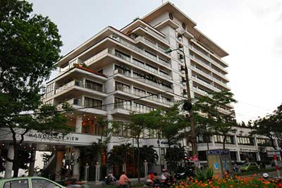 4 Bedroom Luxury & Spacious, Lake View Serviced Apartment in Hanoi