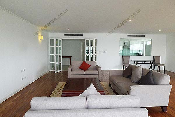 4 Bedroom Luxury & Spacious, Lake Vview Serviced Apartment in Hanoi 6
