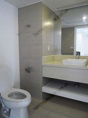 4 Bedroom Luxury & Spacious, Lake Vview Serviced Apartment in Hanoi 28