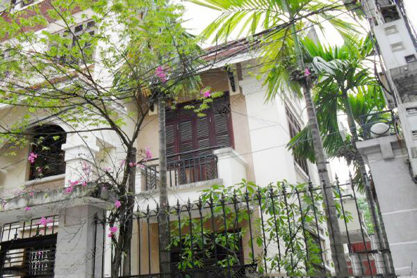 4 bedroom, nice living room house for rent in Cau Giay 2
