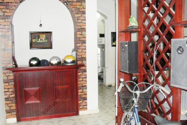 4 bedroom, nice living room house for rent in Cau Giay 4