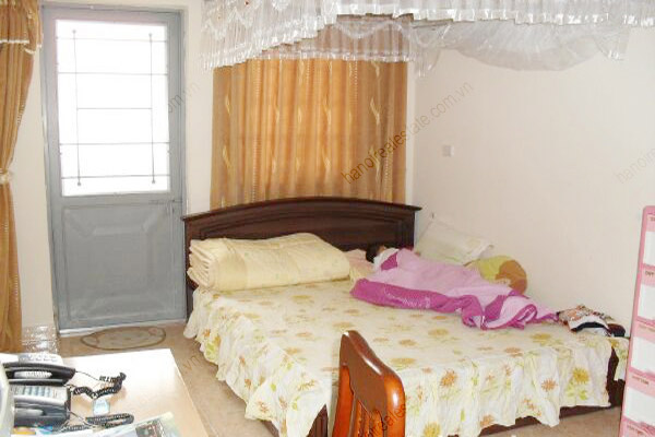 4 bedroom, nice living room house for rent in Cau Giay 9