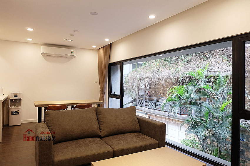 Adorable 02BRs apartment on Tay Ho Rd, quiet location 2