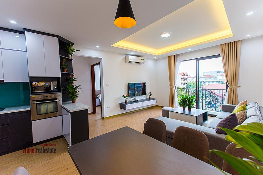 Adorable 02BRs serviced apartment at Au Co, near the flower market with balcony 5