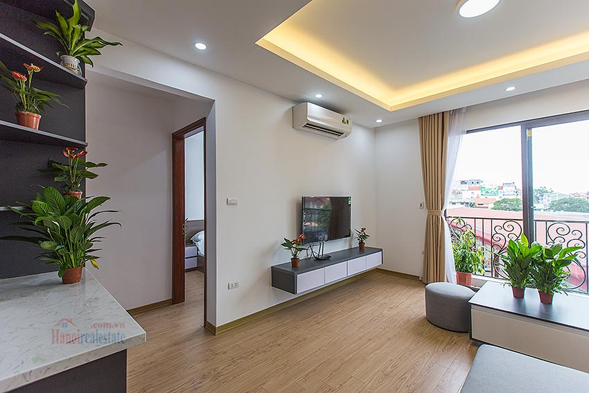 Adorable 02BRs serviced apartment at Au Co, near the flower market with balcony 6