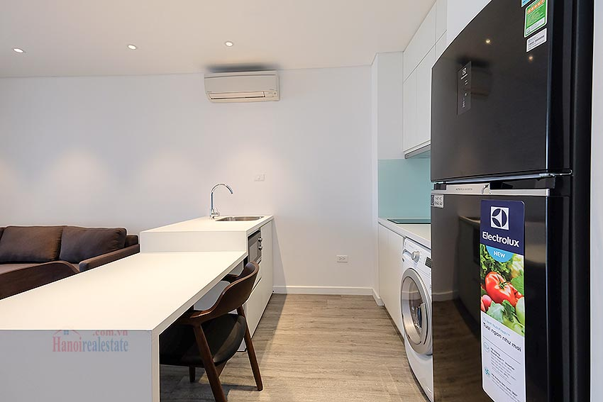 Affordable brand new 01BR apartment on Trinh Cong Son 8