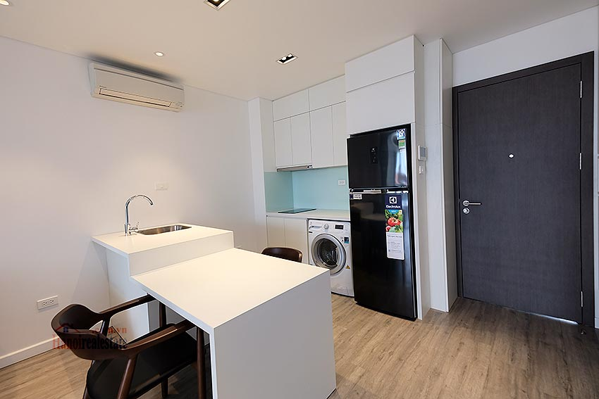 Affordable brand new 01BR apartment on Trinh Cong Son 9
