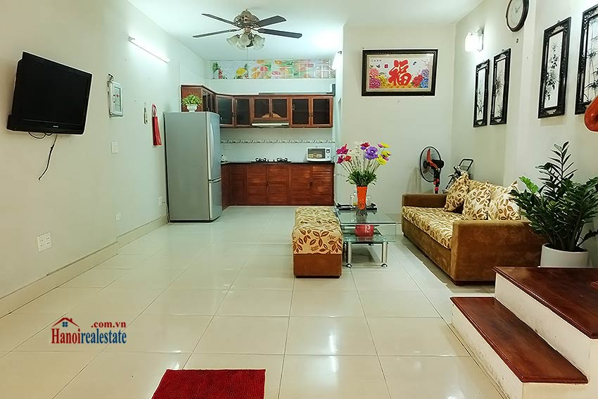 Affordable house for rent in Dang Thai Mai, Tay Ho 1
