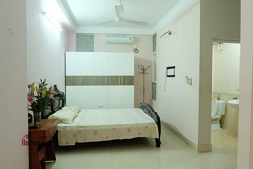 Affordable house for rent in Dang Thai Mai, Tay Ho 8