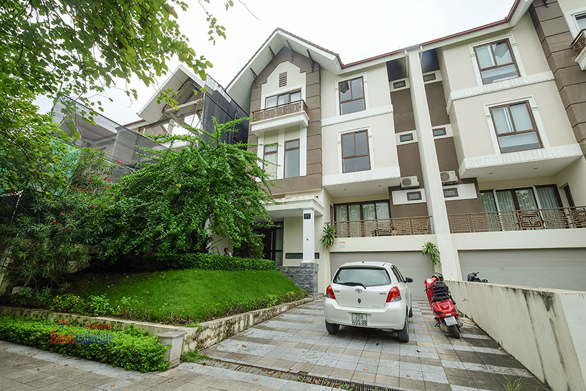 Amazing Ambassador's 05BRs villa for rent in Q block Ciputra, beautiful view 1