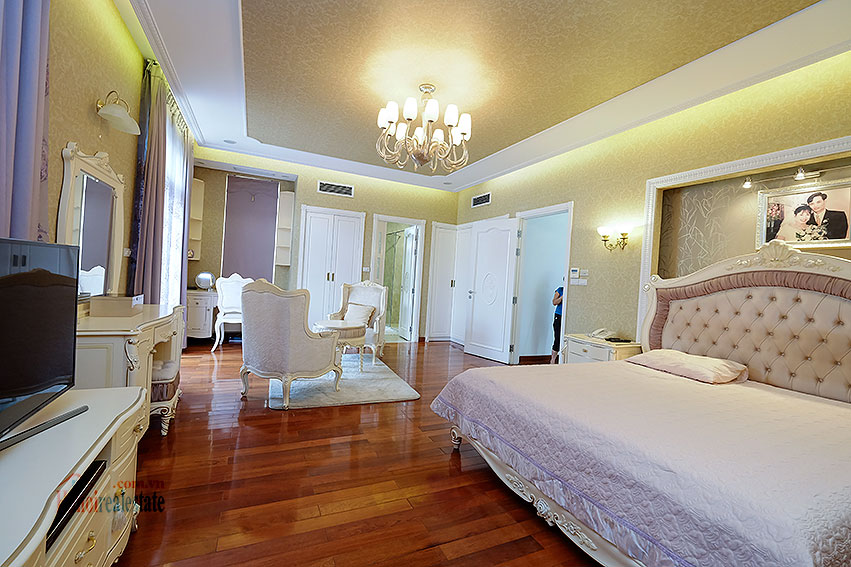 Ambassador's luxurious 04BRs villa in T block Ciputra, fully furnished 19
