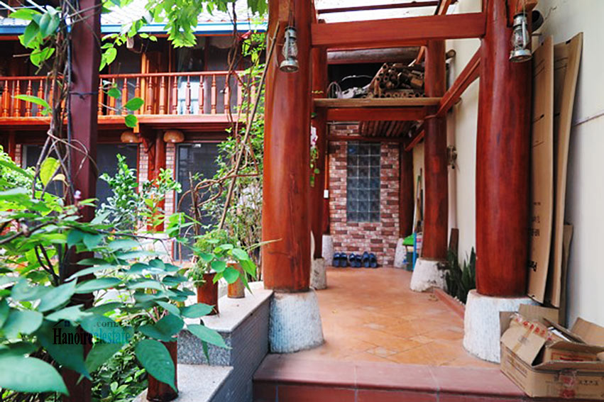Antique Wooden house in Ba Dinh with a nice garden 2