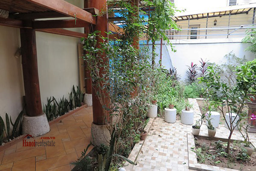 Antique Wooden house in Ba Dinh with a nice garden 29