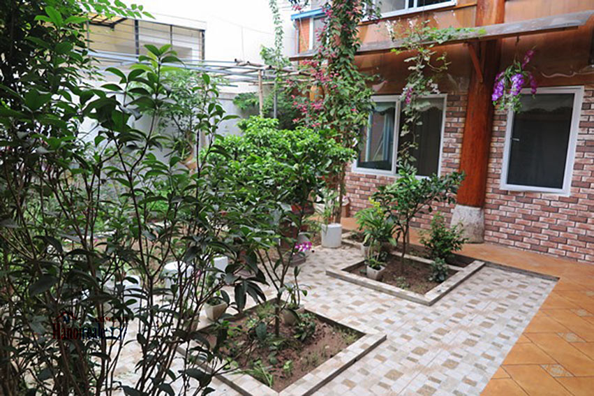 Antique Wooden house in Ba Dinh with a nice garden 3