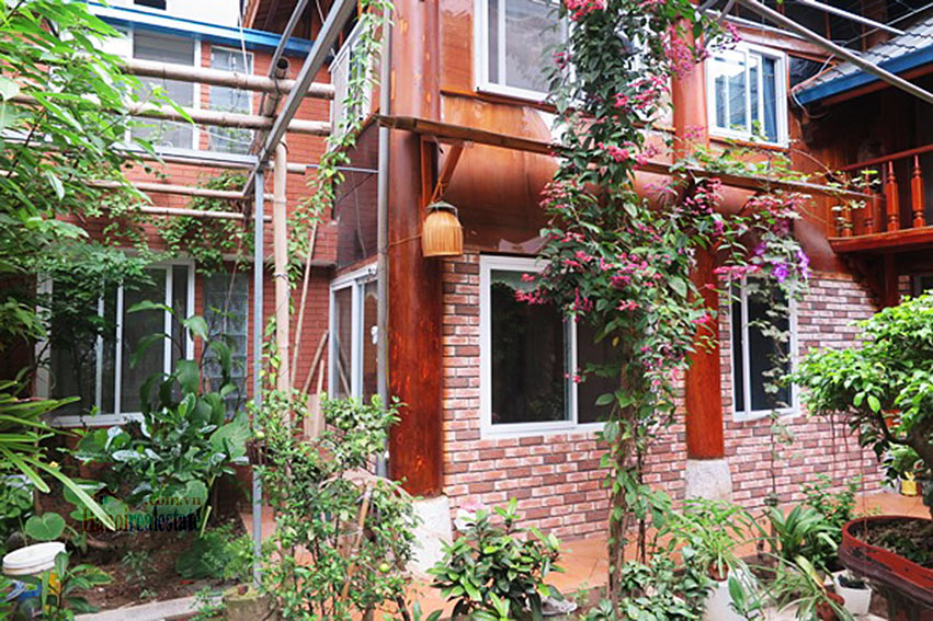 Antique Wooden house in Ba Dinh with a nice garden 30