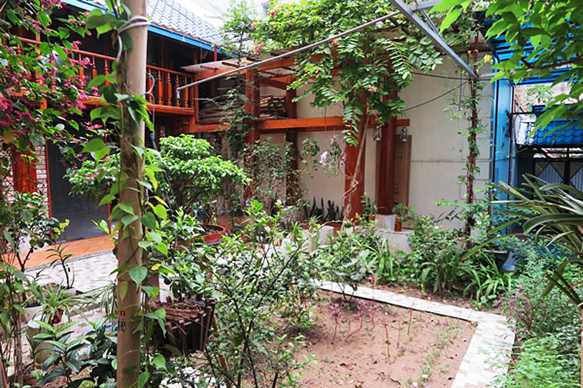 Antique Wooden house in Ba Dinh with a nice garden 31