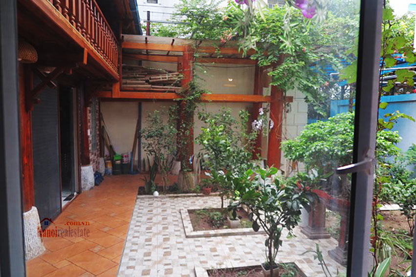 Antique Wooden house in Ba Dinh with a nice garden 7