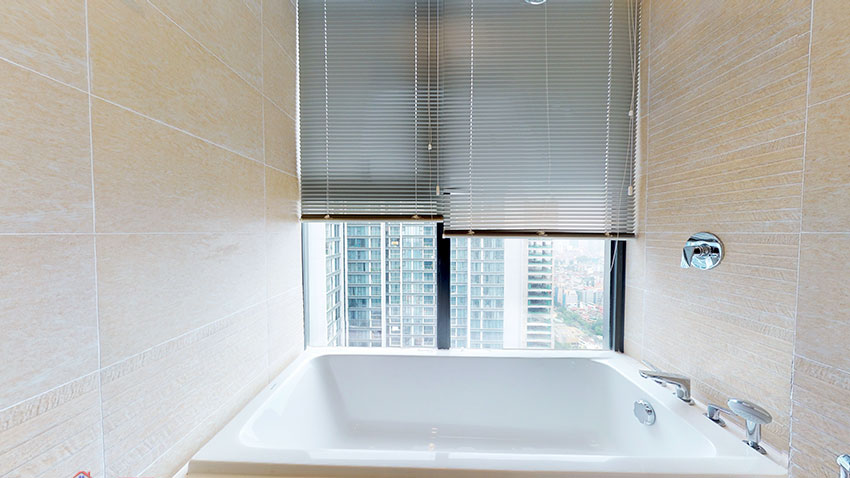 Apartment with private kitchen on high floor of M3 Building, Vinhomes Metropolis 10