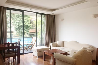 Balcony, serviced 01BR apartment to let on Quang Khanh St