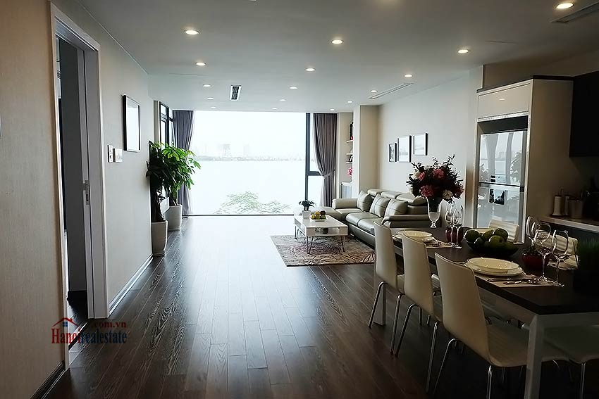 Beautiful 03BRs apartment at Ba Dinh District with amazing Westlake view 1