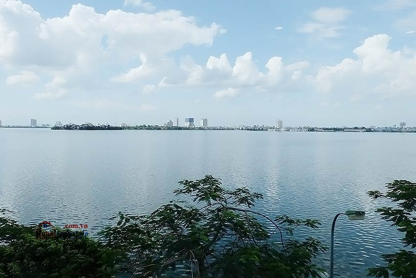 Beautiful 03BRs apartment at Ba Dinh District with amazing Westlake view 17