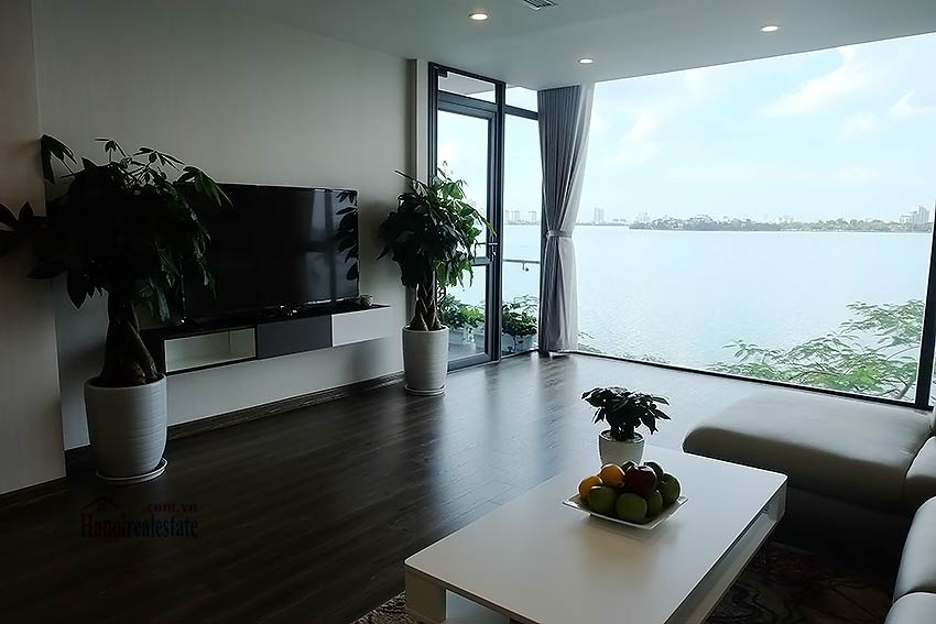 Beautiful 03BRs apartment at Ba Dinh District with amazing Westlake view 5