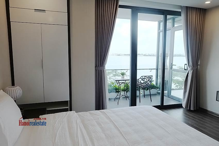 Beautiful 03BRs apartment at Ba Dinh District with amazing Westlake view 7
