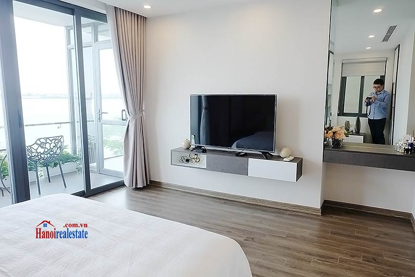 Beautiful 03BRs apartment at Ba Dinh District with amazing Westlake view 8