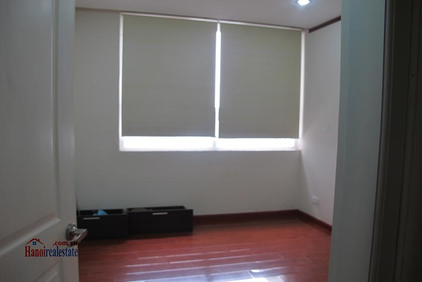 Beautiful 03BRs apartment at Vinaconex 1, Cau Giay District 15