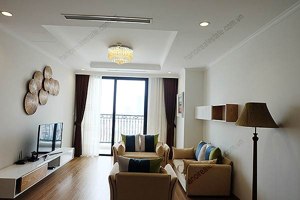 Beautiful 03BRs apartment for rent at Royal City, fully furnished 1