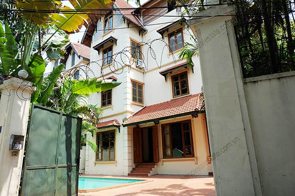 Beautiful 05BRs unfurnished house for rent at To Ngoc Van, with swimming pool 1