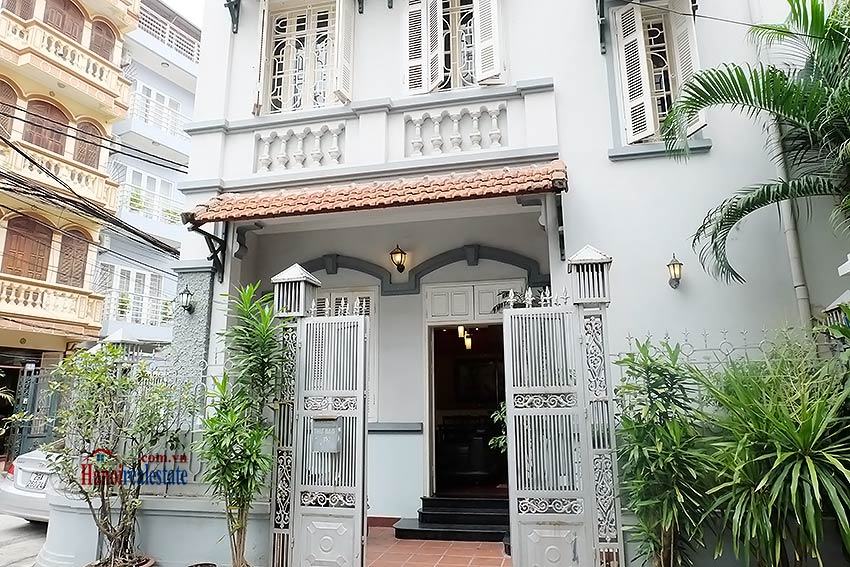 Beautiful furnished 03 bedroom house to let in Ba Dinh, Hanoi 1