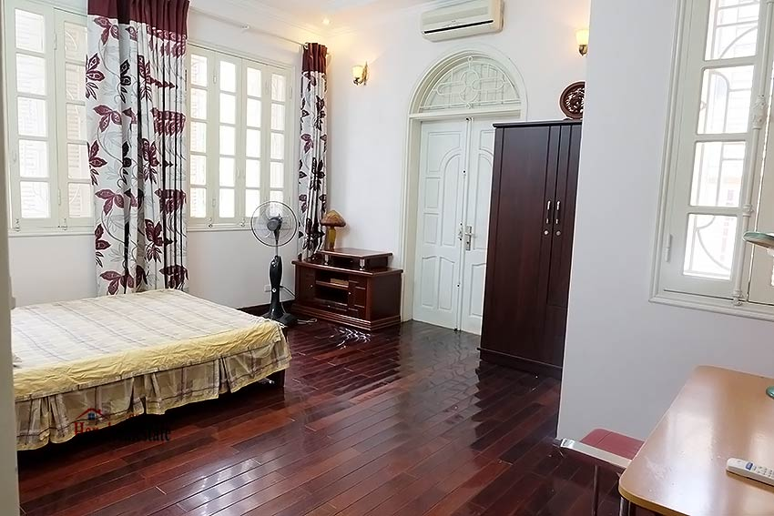 Beautiful furnished 03 bedroom house to let in Ba Dinh, Hanoi 13
