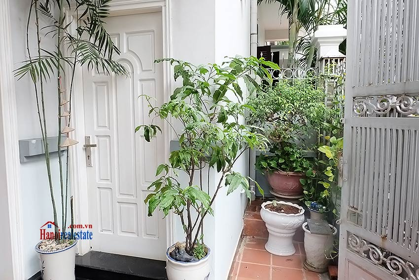 Beautiful furnished 03 bedroom house to let in Ba Dinh, Hanoi 2