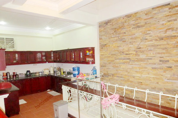 Beautiful house for rent in Dong Da district, Ha Noi 7