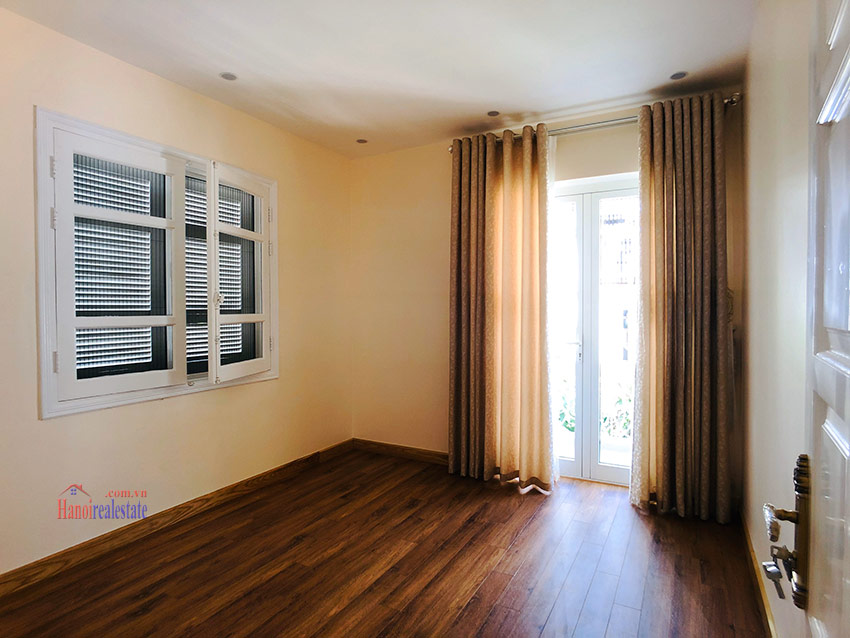 Beautiful newly renovated fully furnished 05BRs house in T block Ciputra 26