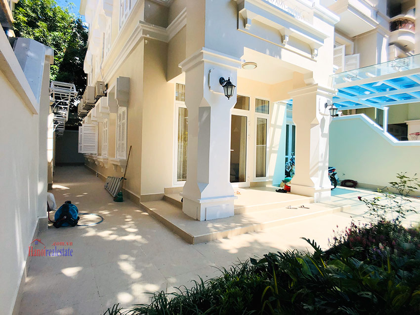 Beautiful newly renovated fully furnished 05BRs house in T block Ciputra 5