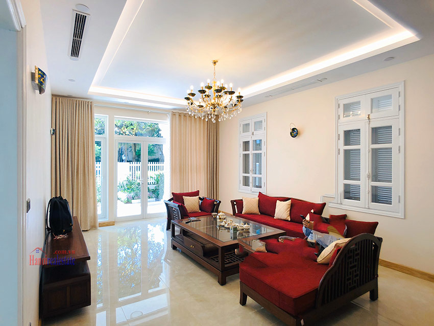 Beautiful newly renovated fully furnished 05BRs house in T block Ciputra 7