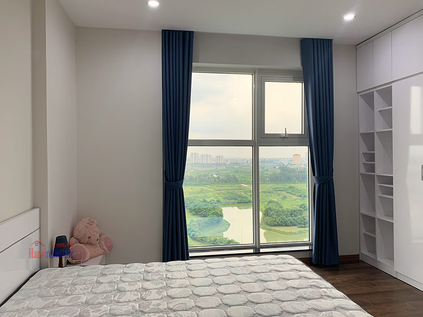 Beautiful opened Golf course view 03BRs apartment on high floor L4 Ciputra 12