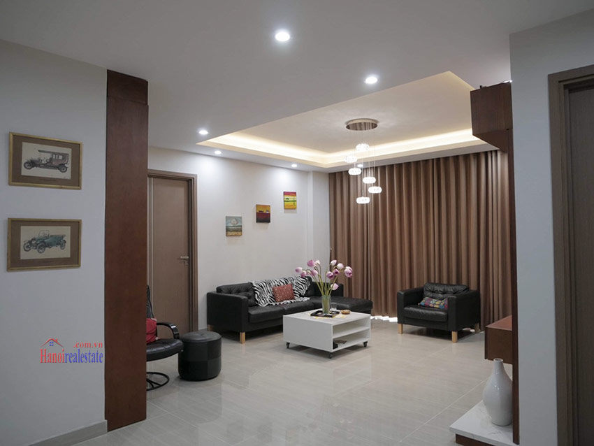 Beautiful opened Golf course view 03BRs apartment on high floor L4 Ciputra 2